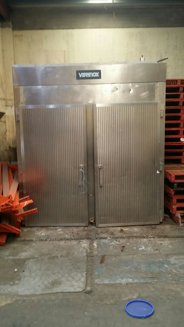 Smokehouse Verinox Trolley on Thermo Vacuum Tables